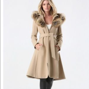 Bebe tan wool coat with fur hood